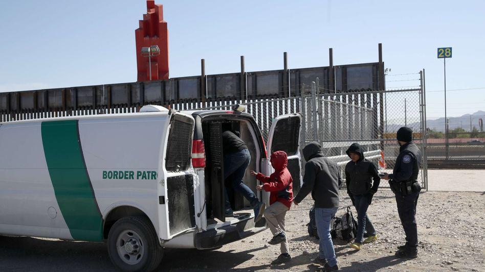 Abschiebungen von Migranten an der US-Grenze zu Mexiko