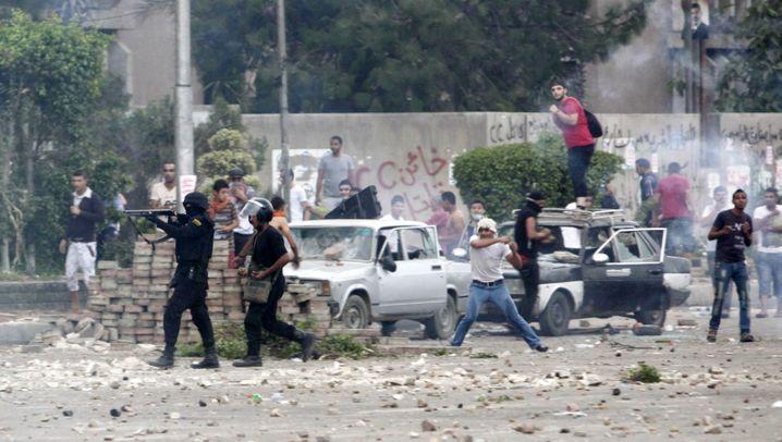 Straßenkämpfe in Ägypten: Mauern als Barrikaden, Steine als Waffen
