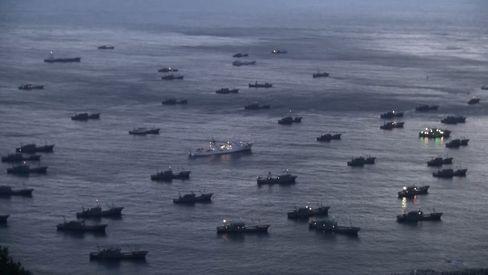 Chinesische Boote im Meer vor Südkorea