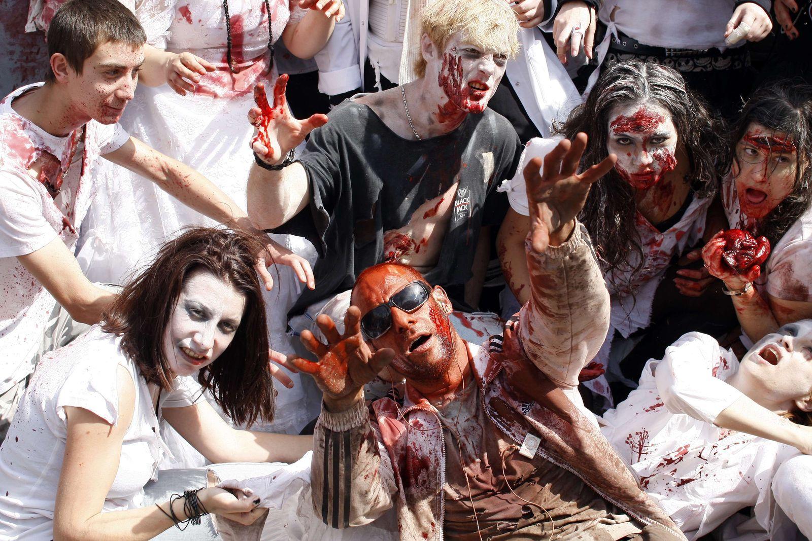 Cannes / Zombie Women of Satan