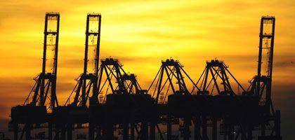 Hamburger Hafen: Hoffnung auf ein Ende des Absturzes