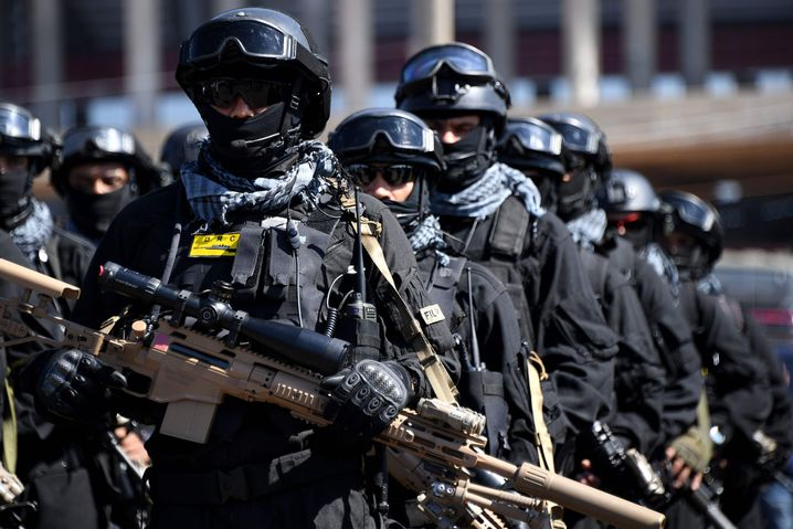 Brasilianische Sicherheitskräfte während der Spiele