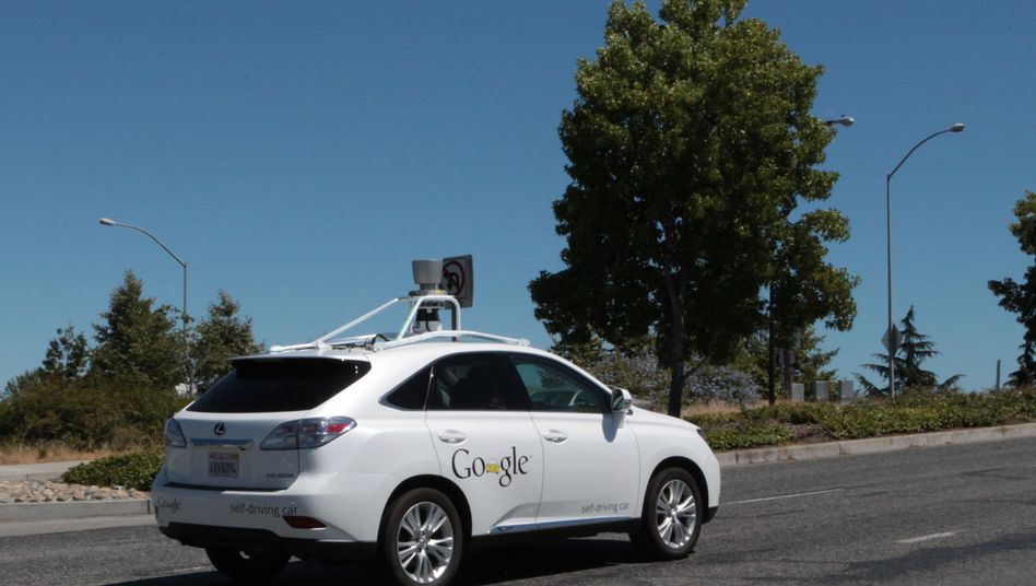 Selbstfahrendes Google-Auto: Eine gigantische Kommunikationsinfrastruktur gilt es zu beherrschen - mit höchsten Sicherheitsanforderungen