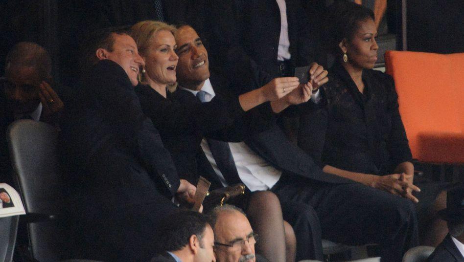 Spaß bei Mandelas Trauerfeier: Cameron, Thorning-Schmidt und Obama posieren