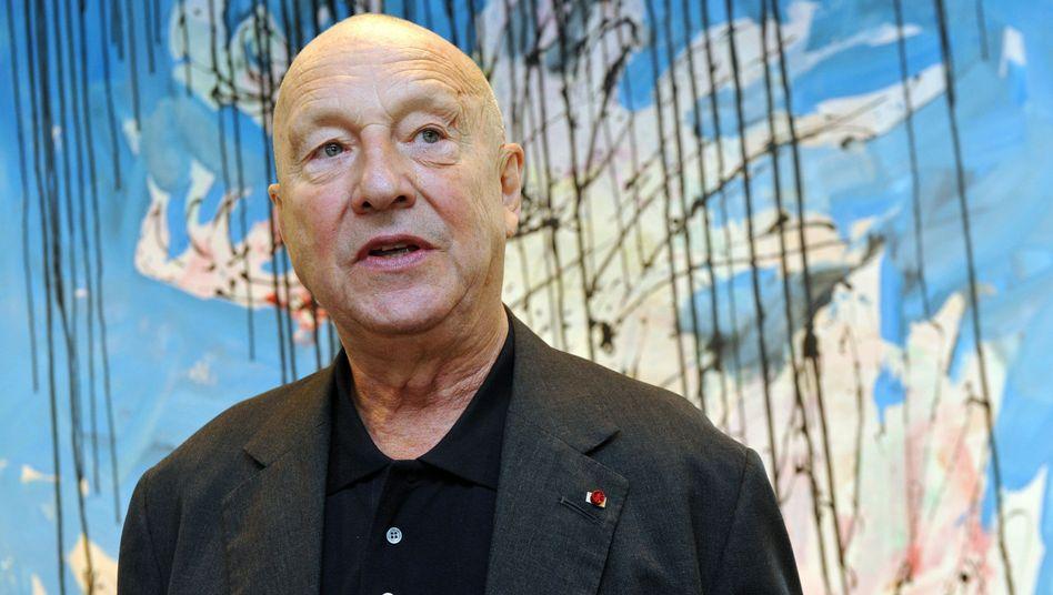 Künstler Georg Baselitz vor einer seiner Arbeiten: Villa aus viel Glas und Holz