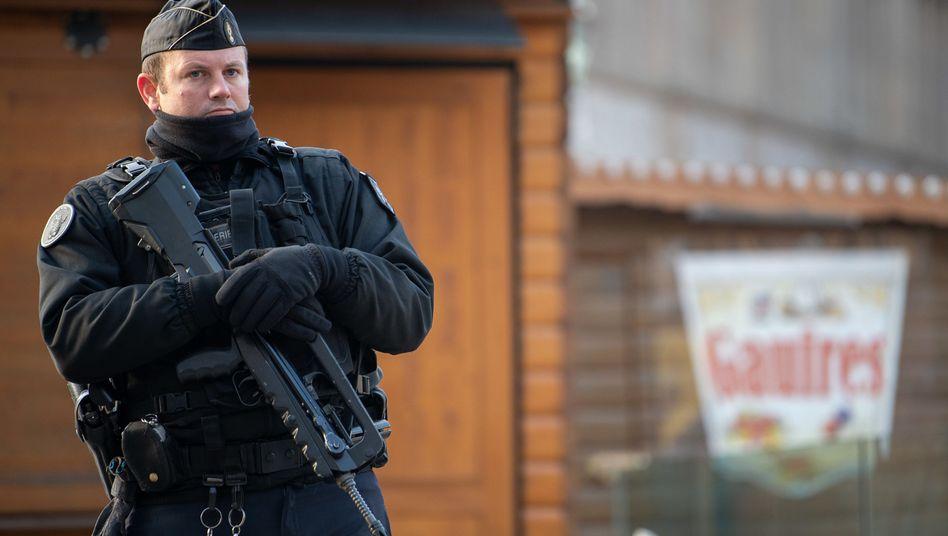 Polizist in Straßburg