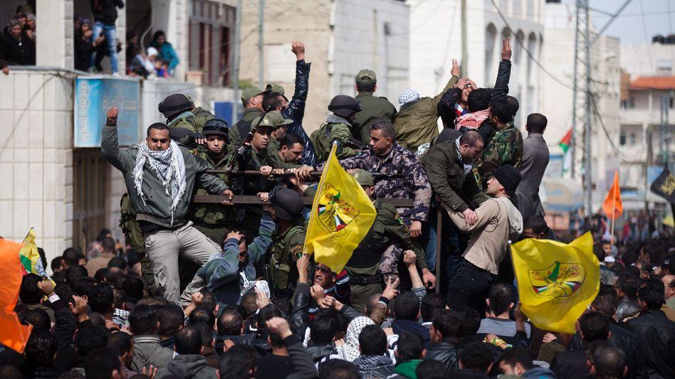 Wütende Proteste in Sair: Wut über den Tod eines Palästinensers in israelischer Haft