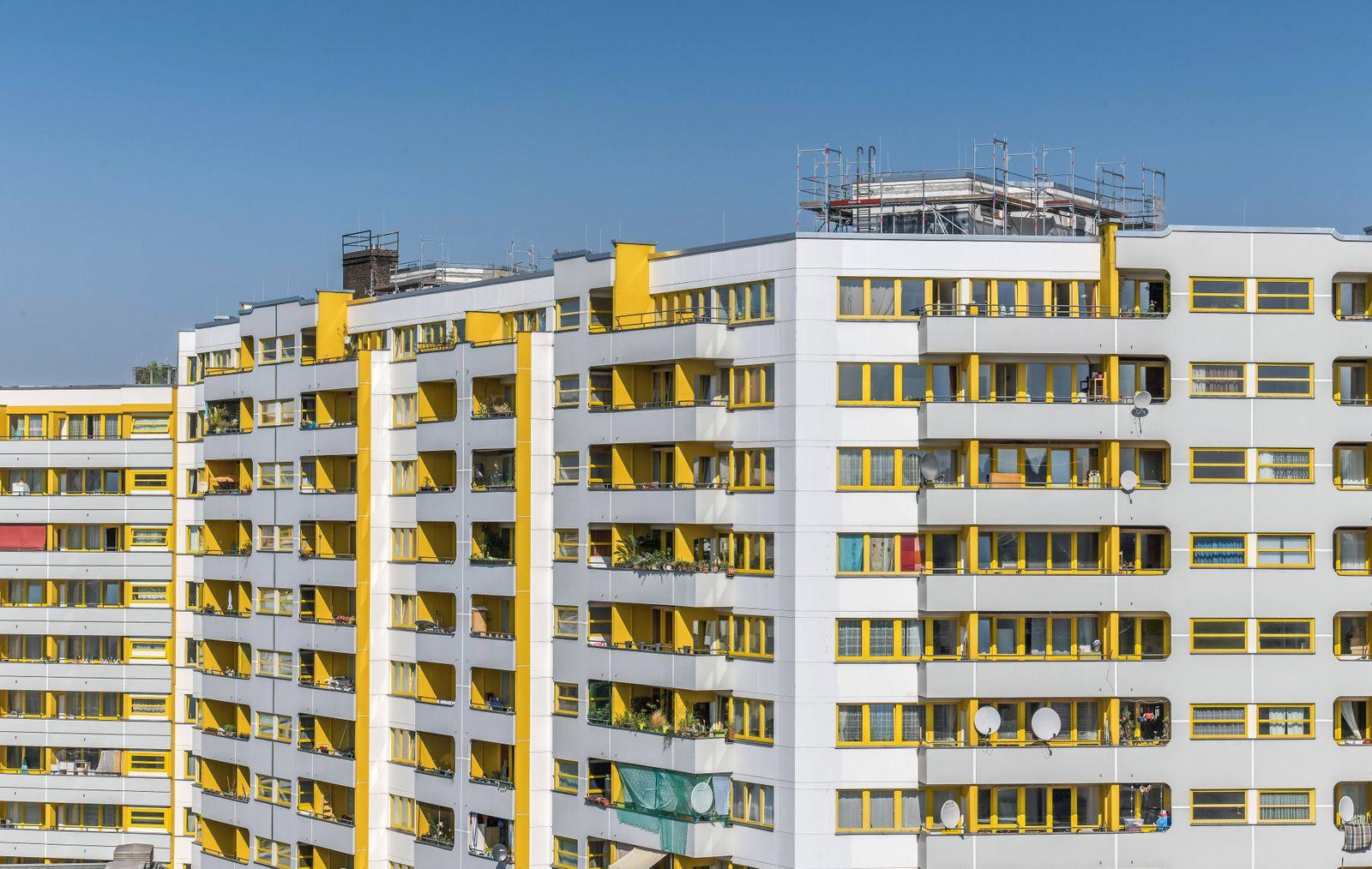 Kreuzberger Zentrum, Kottbusser Tor, Kreuzberg, Berlin, Deutschland *** Kreuzberger Zentrum, Kottbusser Tor, Kreuzberg,