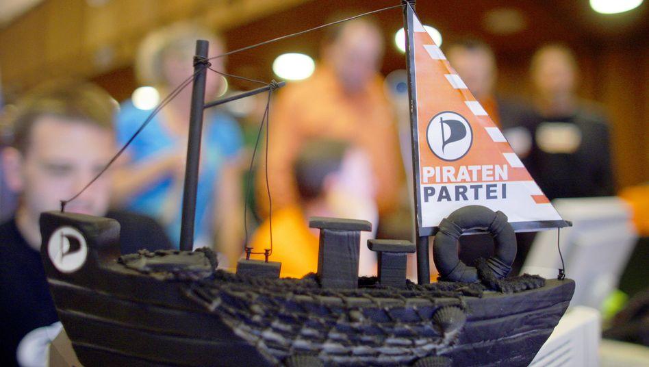 Modellschiff der Piratenpartei: Neue politische Bewegung steht vor der Spaltung