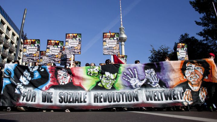 Demos in Deutschland: Protest im Schatten der Bankentürme