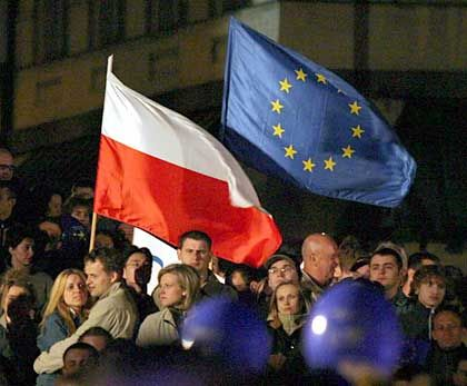 "EU accession celebration in Warsaw in 2004: ""The Germans must finally accept that we are a fully entitled member of the European community."""