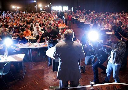 """Lafontaine vor Parteitagsdelegierten: Angriffe auf """"neoliberale"""" Regierung als Kitt für die Partei"""