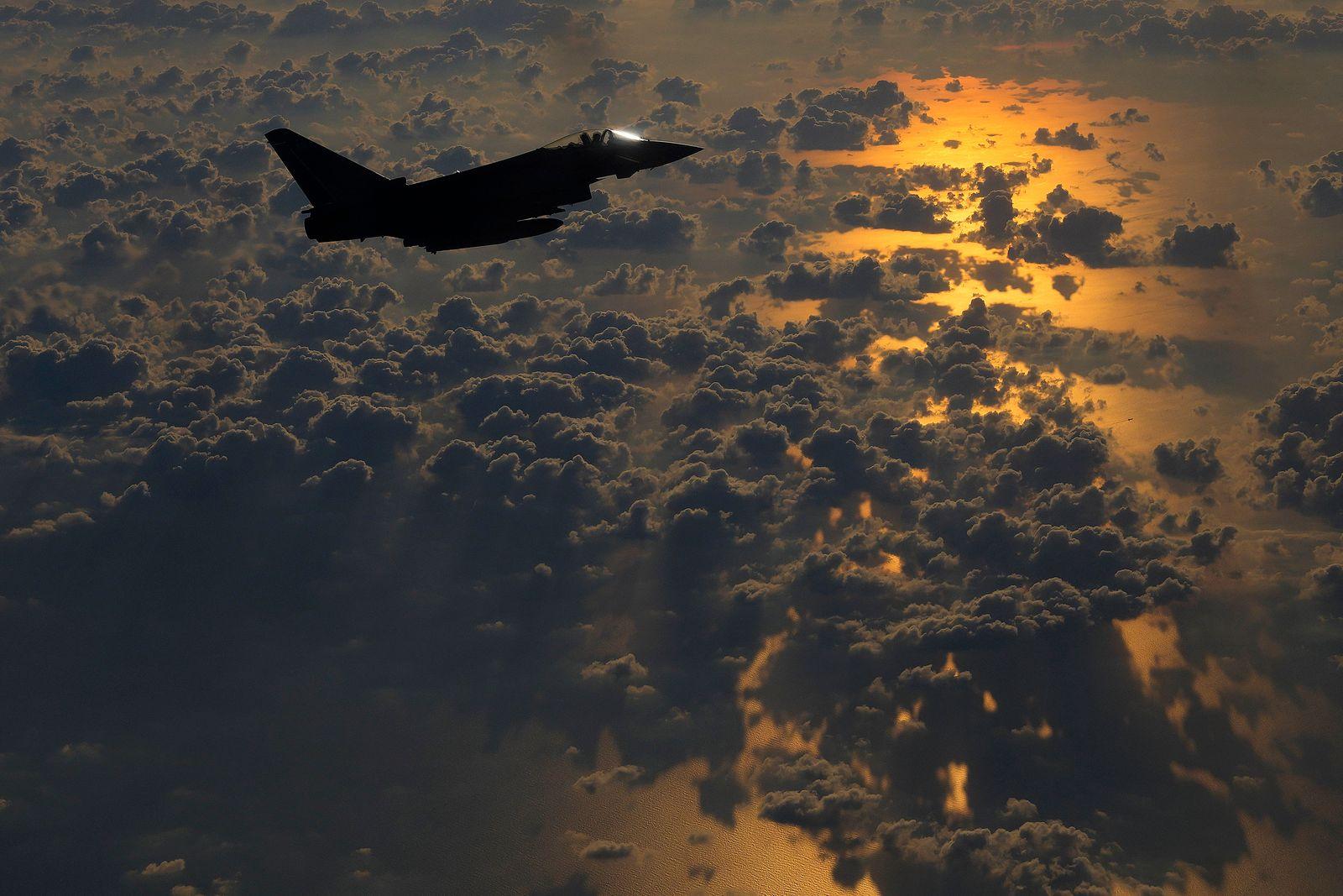 APTOPIX Cyprus Britain Jordan Paratrooper Drill