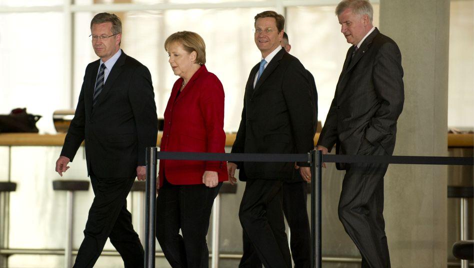 Koalitionäre Merkel, Westerwelle, Seehofer: Keine Endlosgeschichte werden lassen