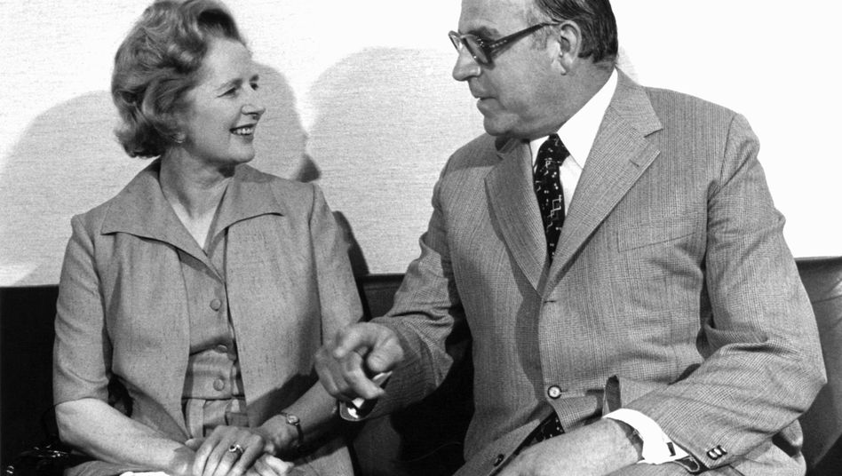 The documents date from meetings held in 1982-3 between Kohl and former British Prime Minister Margaret Thatcher.