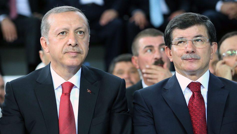 Staatspräsident Erdogan und Premierminister Davutoglu