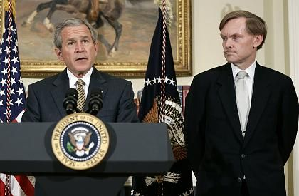 Robert Zoellick, the designated president of the World Bank, stands next to US President George W. Bush.