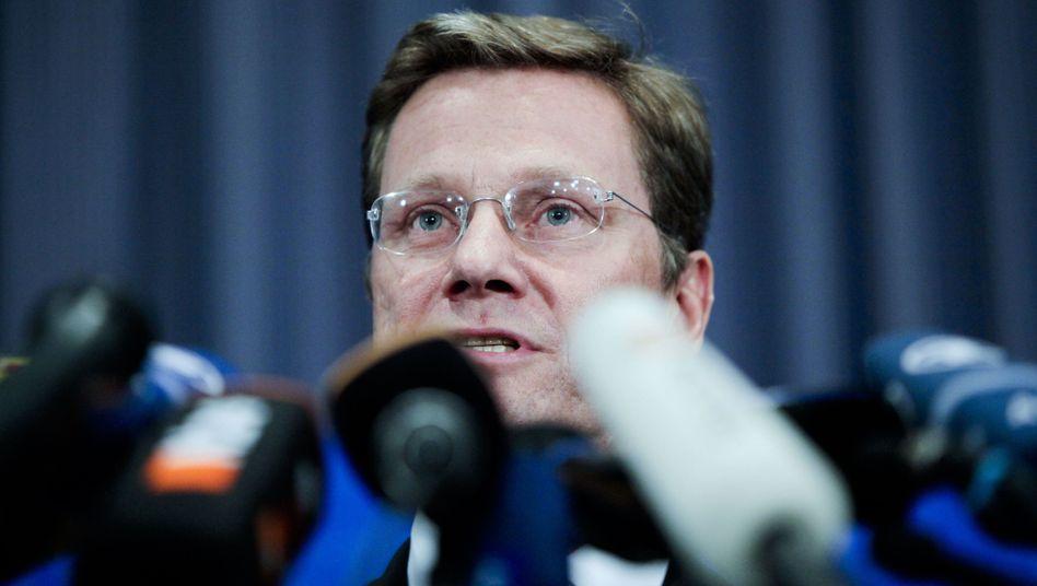 FDP-Chef Westerwelle: Streit über Bürgerrechte, Steuer- und Außenpolitik