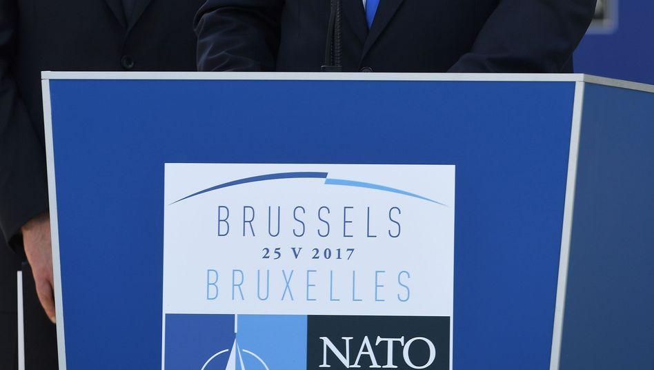US-Präsident Donald Trump (r.), Nato-Generalsekretär Jens Stoltenberg