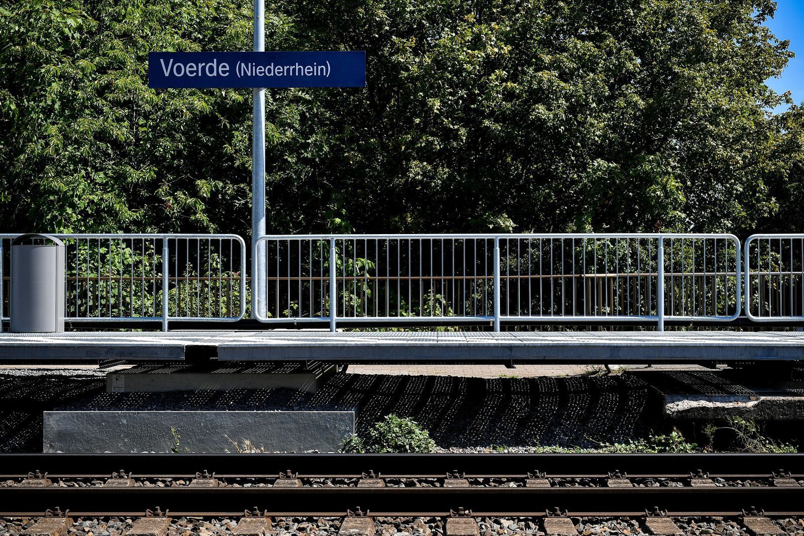 EINMALIGE VERWENDUNG SPIN SP 32/2019 S. 34 Tatort Bahnstation Voerde