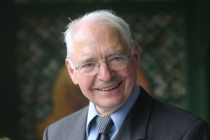 Ausgezeichnet für Forschung und Mut: Jens Reich erhielt 2009 in Halle an der Saale von der Nationalen Akademie der Wissenschaften Leopoldina den Carl-Friedrich-von-Weizsäcker-Preis