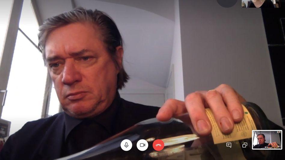 Blixa Bargeld beim Videointerview: Manchmal sind die Geigen nahezu verdächtig freundlich