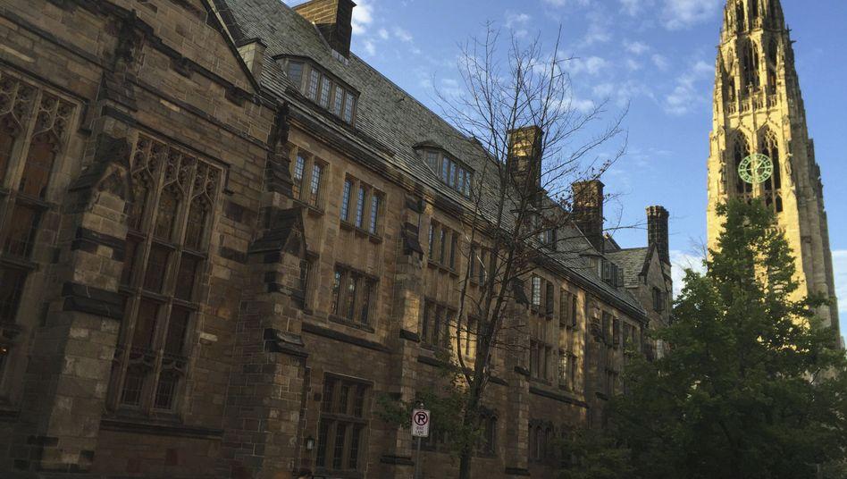 Gebäude der Uni Yale in New Haven: Hochschule will an Auswahlverfahren seiner Studierenden festhalten