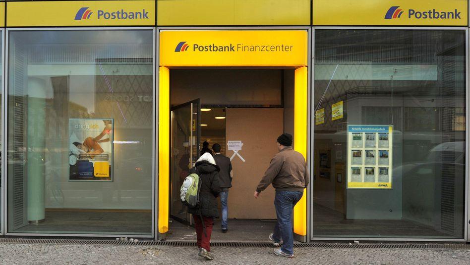 Postbank-Filiale: Regierte die Deutsche Bank bereits durch, als sie noch Minderheitseigner war?