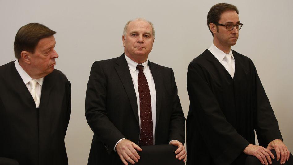 Anwalt Hanns W. Feigen (li.), Uli Hoeneß: Revision angekündigt