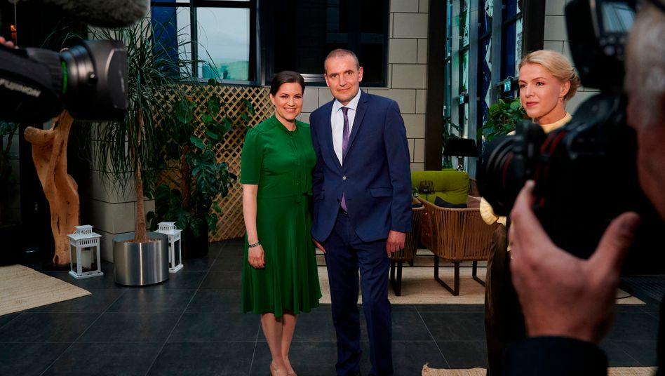Gudni Jóhannesson mit Frau Eliza Reid nach der Wahl