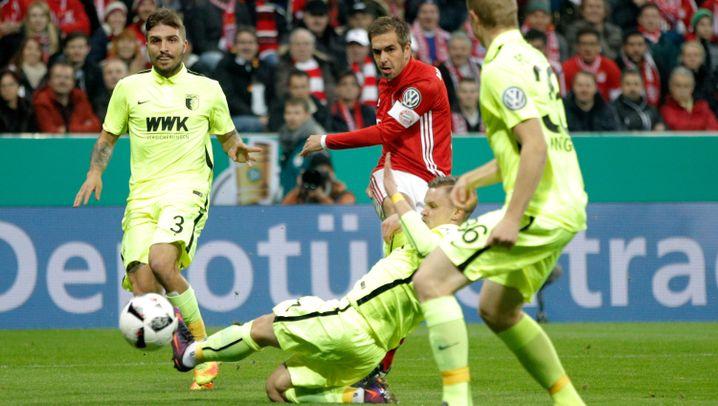 DFB-Pokal: Pyrotechnik und Elfmeterschießen
