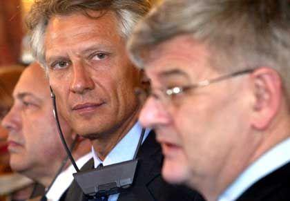 Ivanov, Villepin, Fischer: Die Friendensachse hält