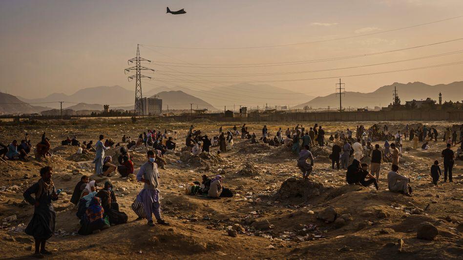 Evakuierungseinsatz auf dem Flughafen Kabul (Archivbild von Montag): Letzte Flüge