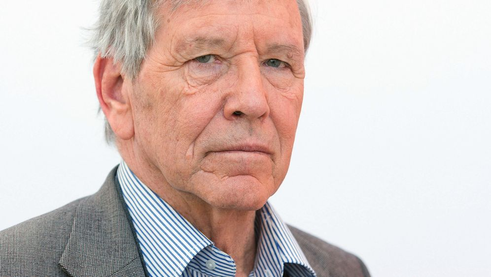 Photo Gallery: Amos Oz' Pessimistic View of the World
