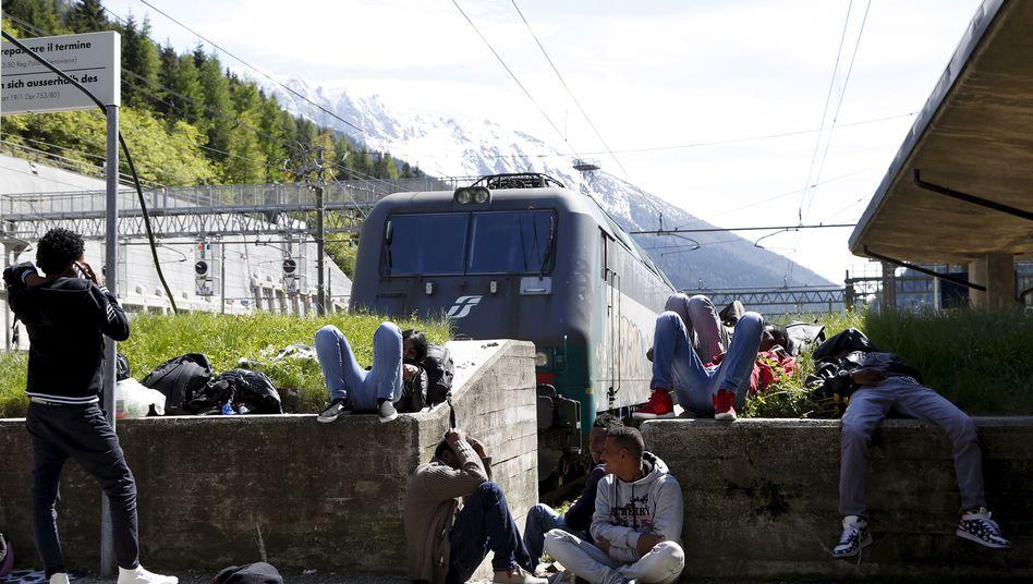 Flüchtlinge an der Brenner-Station in Italien: Zielland Österreich