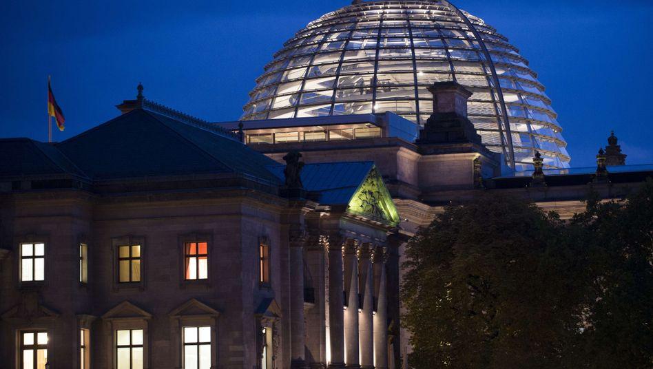 Bundestag: Bei einer Großen Koalition hat die Opposition nur 127 Sitze