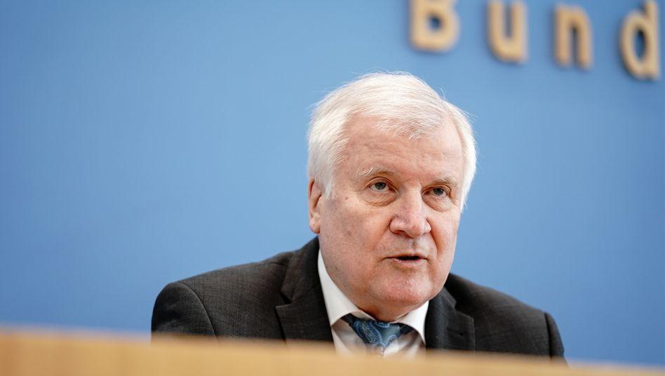 Innenminister Horst Seehofer: Rechtsextremismus zieht »Blutspur durch Deutschland«