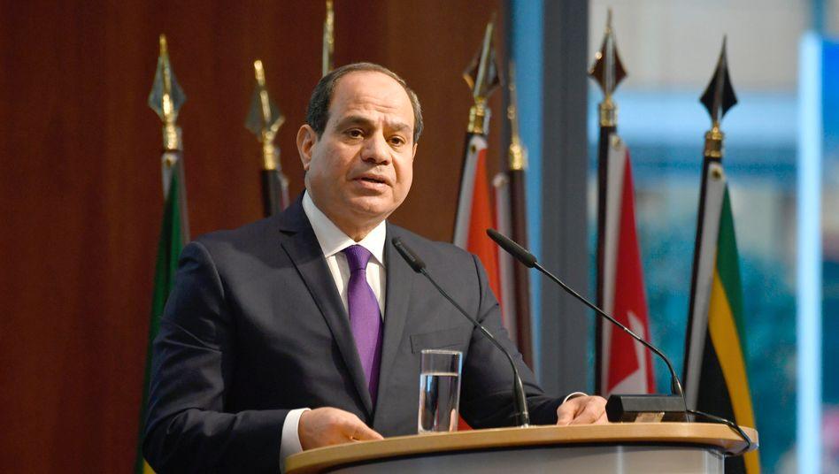 Ägyptens Präsident Abdel Fattahal-Sisi: Hat seine Truppen auf einen möglichen Einsatz im Nachbarland eingestimmt
