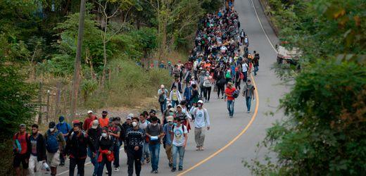 Honduras: Tausende Schutzsuchende wollen via Guatemala und Mexiko in die USA fliehen