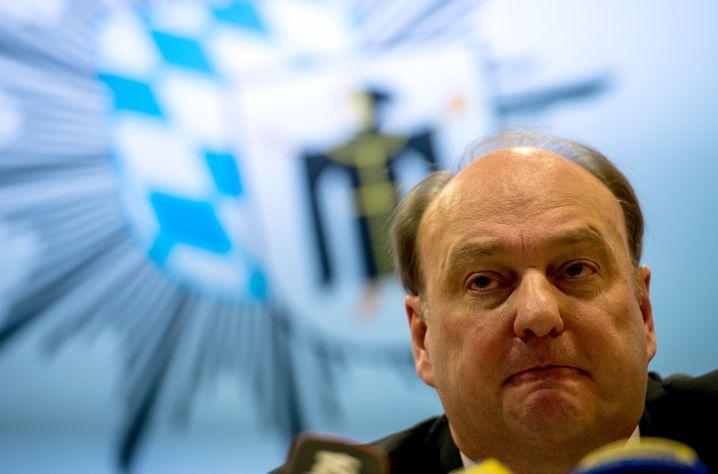 Polizeipräsident Hubertus Andrä: Nicht klar, wo die Verdächtigen sind