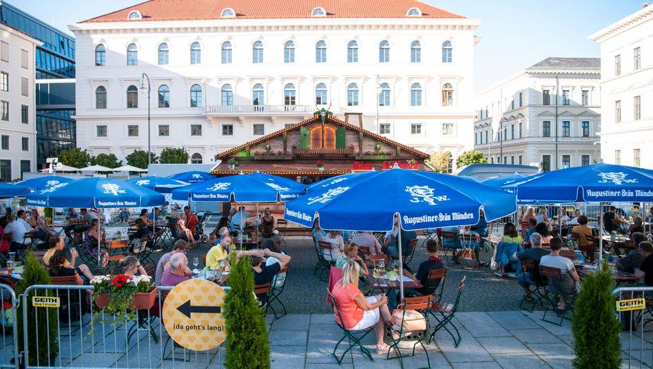 Außengastronomie in München: Probe für den Umgang mit dem Virus