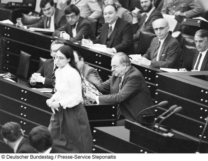 Christa Nickels nach ihrer Rede 1983: Friedlicher Protest