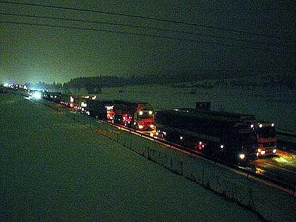 Stau total: In der Nacht zum 4. Februar 2005 ging auf der A8 Richtung München nichts mehr