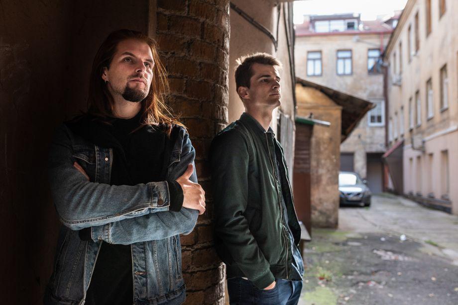 Tontechniker Wladislaw Sokolowskijund Kirill Galanow in der litauischen Hauptstadt Vilnius