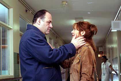 """Szene aus """"Romance & Cigarettes"""" (mit James Gandolfini, Susan Sarandon): Der sündhafte Held und sein geiferndes Weib"""
