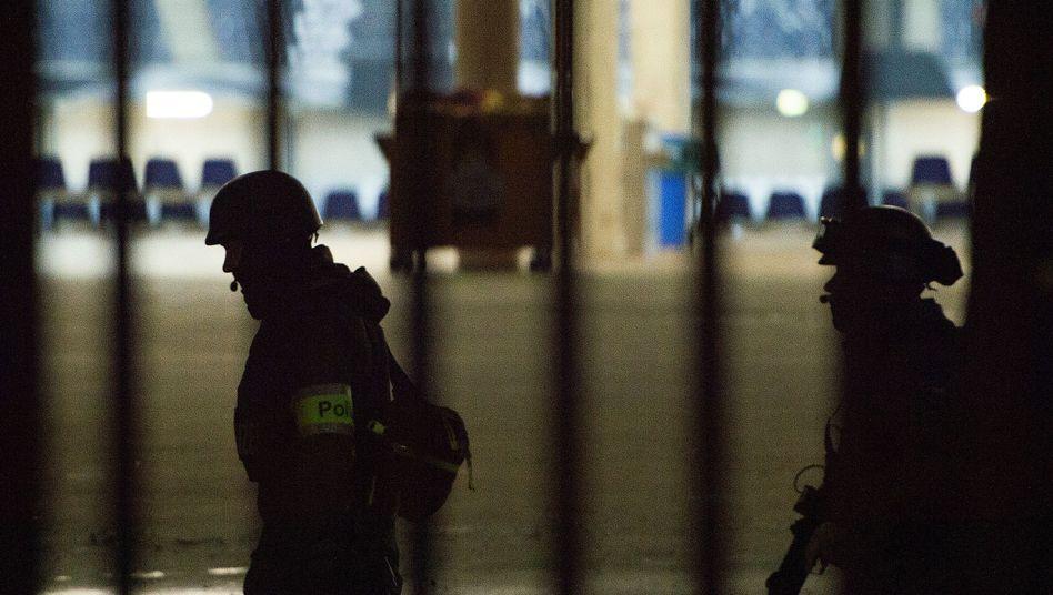 Polizisten in Hannover: Sicherheitslage angespannt
