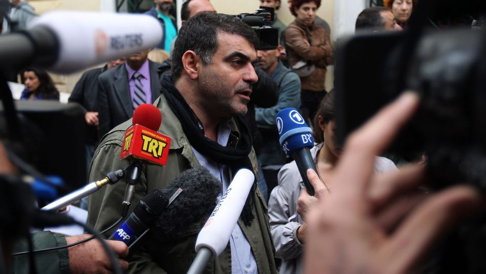 Der griechische Journalist Vaxevanis nach seiner Freilassung: Der Justiz immer vertraut ...