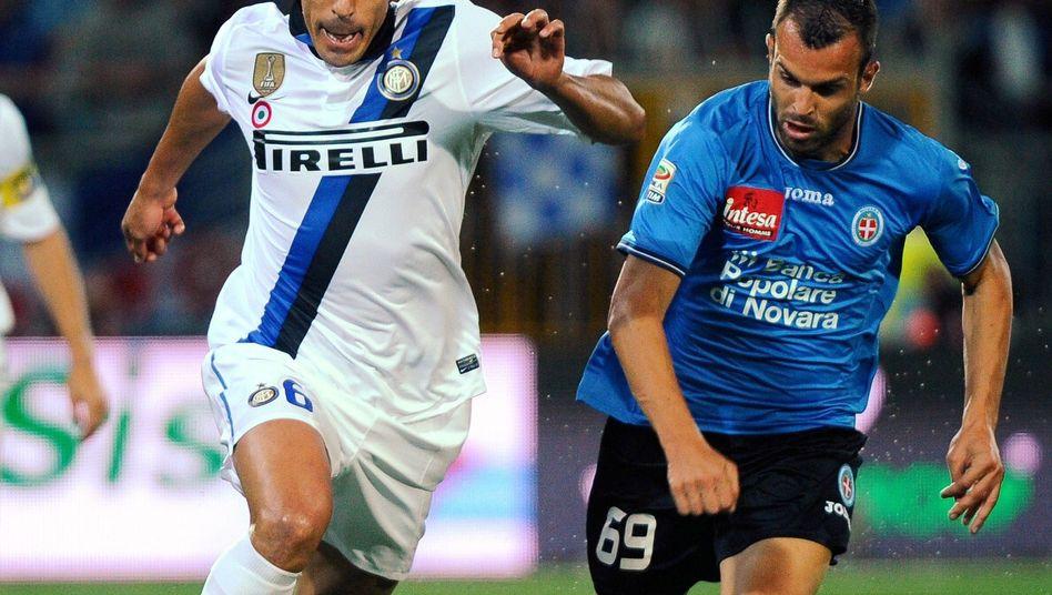 Inter-Verteidiger Lucio (l.): Beim Aufsteiger Novara verloren