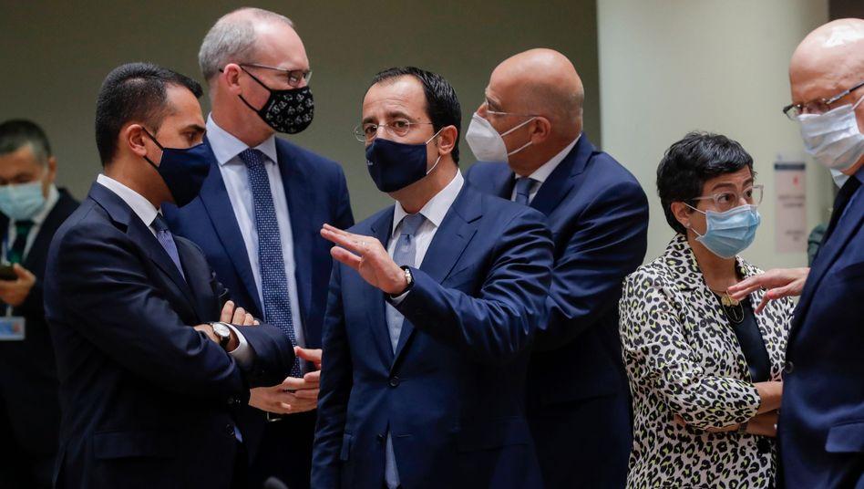 Zyperns Außenminister Christodoulidis im Gespräch mit seinem italienischen Kollegen Luigi Di Maio in Brüssel