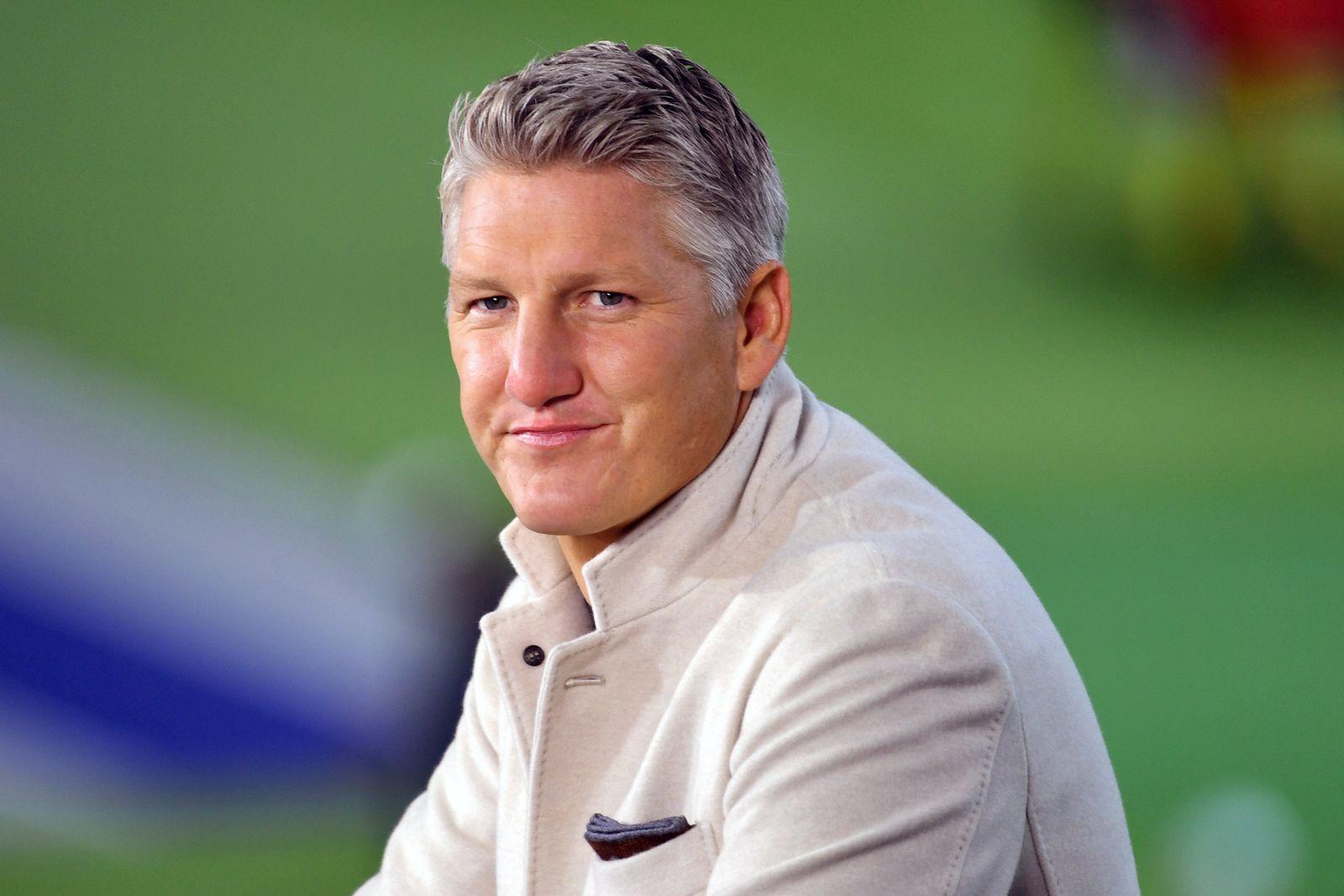 ARD Fussballexperte Bastian SCHWEINSTEIGER, Einzelbild,angeschnittenes Einzelmotiv,Portraet,Portrait,Porträt. 78. DFB Po